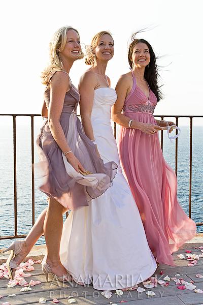 la novia con sus hermanas, posando para amigos ...